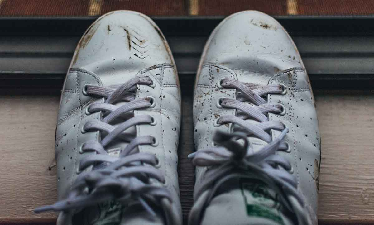 FreebieMNL - The Secret to Keeping Your White Shoes Clean