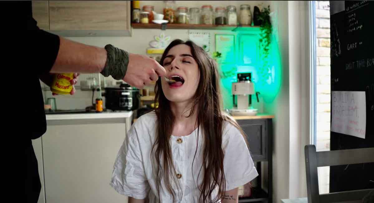 FreebieMNL - Singer Dodie taste tests food while she has COVID-19 and she can't taste anything