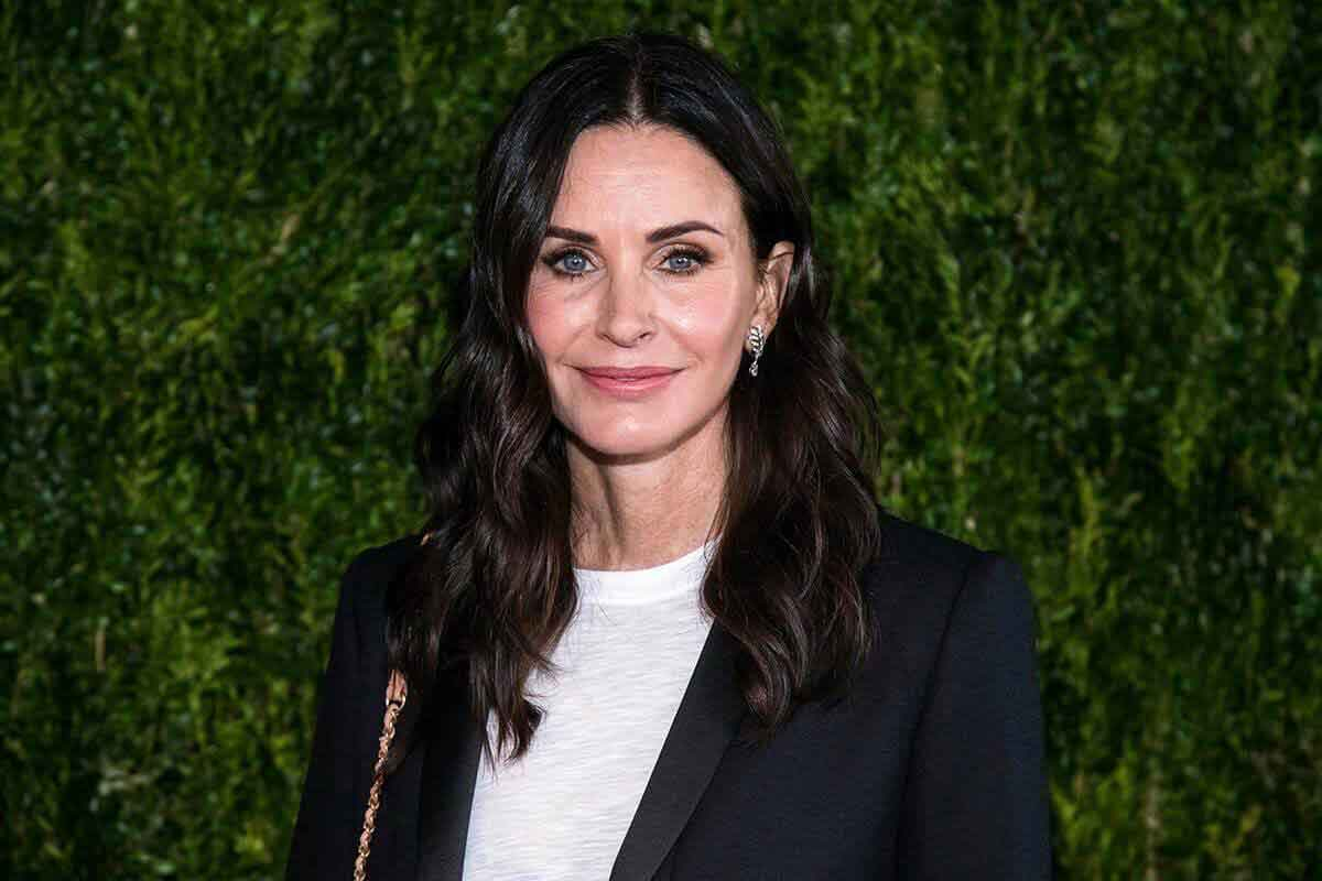 FreebieMNL - Courteney Cox finally gets her Emmy nod for 'Friends' 17 years after show ended