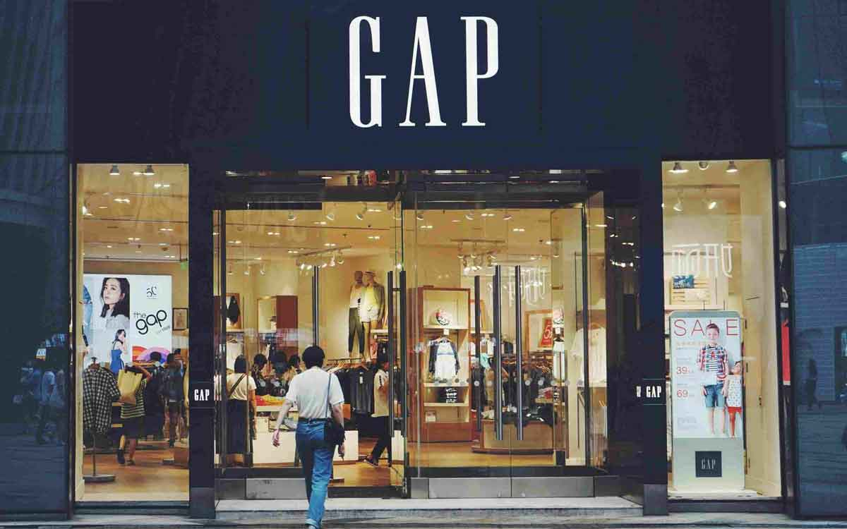 FreebieMNL - Gap Is Closing Down All Its UK And Ireland Stores
