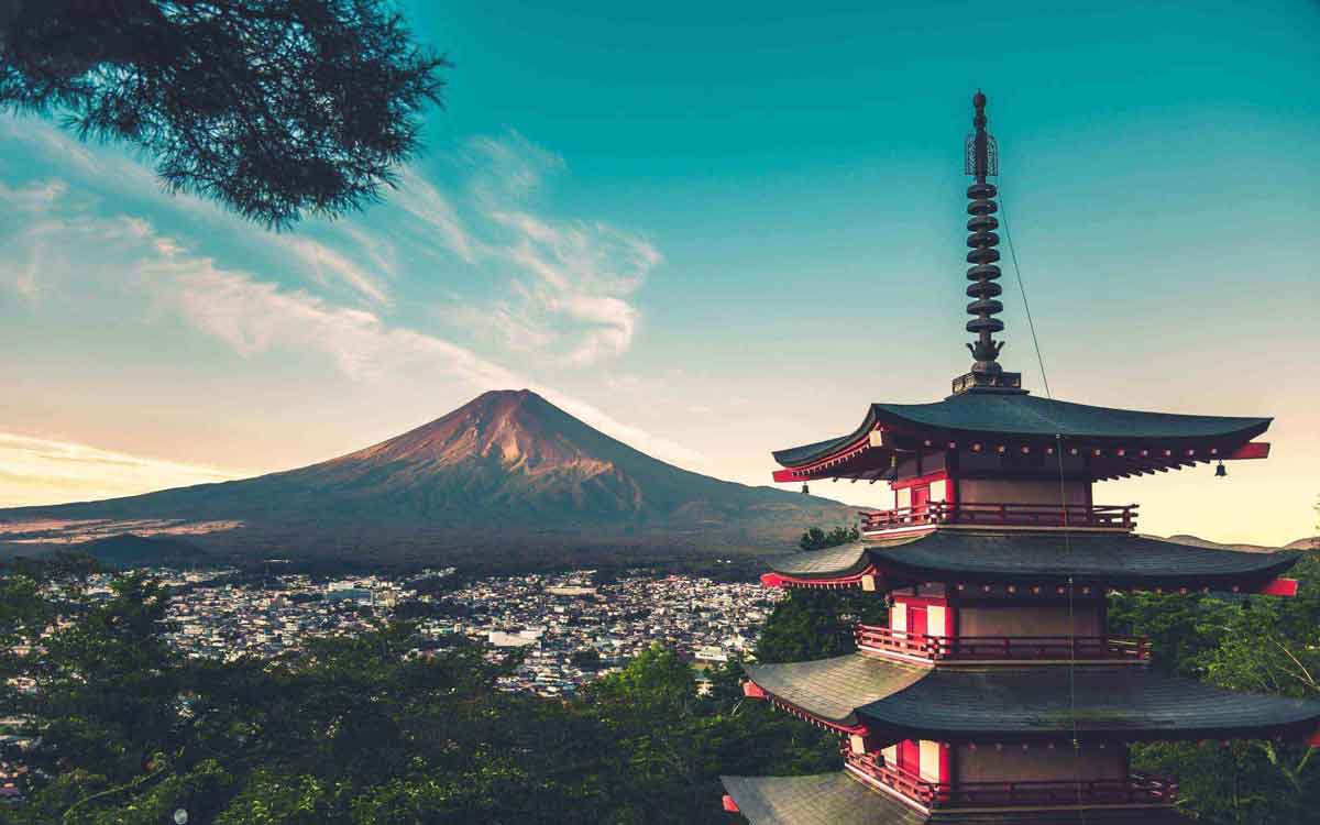 FreebieMNL - Mount Fuji Reopens This Month In Time For Climbing Season