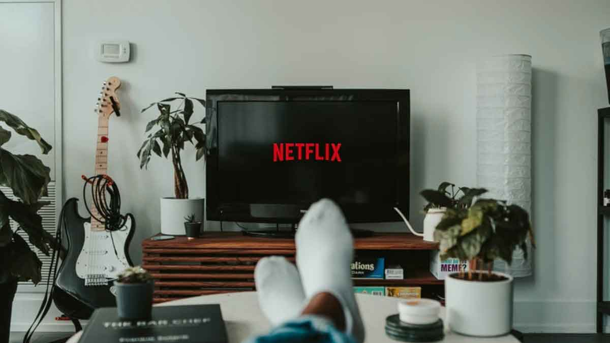 FreebieMNL - Netflix to introduce mobile games as subscriber growth slows down